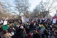 مسيرات في مدن بريطانية ضد ترامب