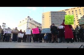 مظاهرة قرب البيت الأبيض تندد بقرارات ترامب