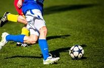 كيف كانت أشكال وطفولة  40 مدافعا بكرة القدم؟ (شاهد)