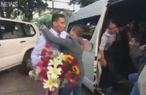 مشاهد مؤثرة للقاء لاجئ سوري بعائلته بعد 7 سنوات (فيديو)