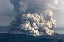 """بركان """"لا بالما"""" الإسبانية يقذف بحممه.. وإجلاء الآلاف (شاهد)"""