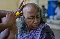 امرأة هندية تبيع شعرها مقابل دولارين فقط.. لهذا السبب