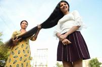 صاحبة أطول شعر في العالم.. هندية بعمر 17 عاما