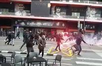 مواجهات عنيفة بين جماهير برشلونة والشرطة في فالنسيا (شاهد)