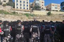 الأمن الأردني يفرق اعتصاما للمعلمين أمام البرلمان (شاهد)