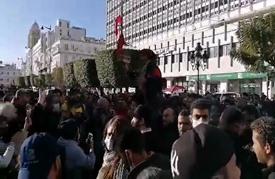 تجدد العنف بتونس.. المشيشي يحذر والغنوشي يدعو للتهدئة (صور)