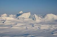كندا توسع سيطرتها وبوتين يعزز قواته في القطب الشمالي