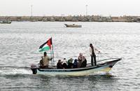 لاجئة فلسطينية وطفلها يقضيان غرقا بالبحر