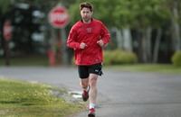دراسة طبية تنصح بالمشي لتجنب السكري والنوبات القلبية