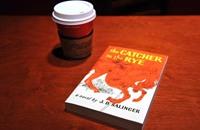 تسريب ثلاث قصص للكاتب الأميركي سالينغر عبر الإنترنت