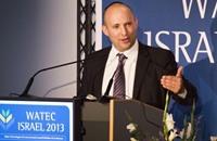 نفتالي بينيت: إسرائيل تفكر في عهد ما بعد أبو مازن