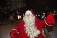 لصوص تنكروا بزي سانتا كلوز في ألبانيا وكوسوفو