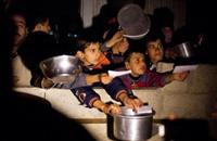 """""""إندبندنت"""" تكشف إجرام نظام دمشق بحق مخيم اليرموك"""