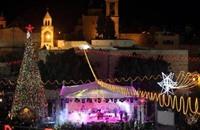 بيت لحم تضئ شجرة الميلاد وتنشد السلام
