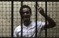 حكم نهائي بسجن الناشط السياسي المصري أحمد دومة 15 عاما