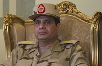 تسريب للسيسي: تدخل الجيش في السياسة سيسقط مصر