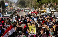 """الأمن بمصر يقتل شابا بتظاهرات """"معا نكمل ثورتنا"""""""