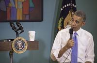 أوباما يكشف عن مواقف محرجة تعرض لها بسبب لونه