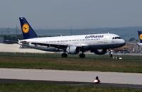 إضراب الطيارين يؤدي لإلغاء نصف رحلات شركة ألمانية