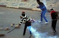 محتجون يحرقون مقر حزب السبسي والمرزوقي يدعو لنبذ العنف