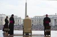 البابا: إدارة الفاتيكان مريضة بحب السلطة والجشع