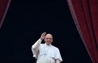 بابا الفاتيكان علق في مصعد وأنقذه رجال الإطفاء