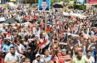 فايننشال تايمز: شباب الإخوان يدفعون للمواجهة وتعميق الانقسام