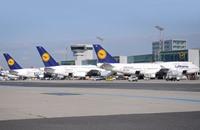 """""""لوفتهانزا"""" تلغي 830 رحلة اليوم بسبب إضراب الطيارين"""
