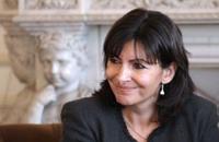 رئيسة بلدية باريس تدعو لحظر سيارات الديزل بالعاصمة