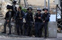 الاحتلال يعتقل 12 فلسطينيا بينهم نائبة وأسرى محررون