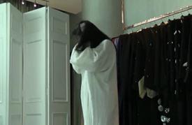 العباءة التقليدية تتصدر صيحات الموضة في الإمارات العربية المتحدة