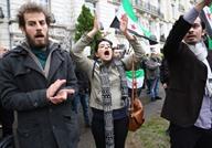 مظاهرة للسوريين في تركيا تضامنا مع حلب