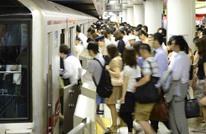 شاهد كيف يركب اليابانيون القطارات في ساعة الذروة (فيديو)