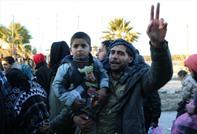 مغادرو حلب.. فرحة النجاة.. ومرارة المغادرة