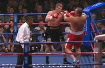 ملاكم روسي يتغلب على نظيره الفرنسي بالضربة القاضية (فيديو)