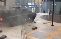 """ما هي قصة الدبابة التي اقتحمت """"دبي مول""""؟ (فيديو وصور)"""