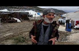سوريون يصارعون لأجل البقاء في مخيمات النزوح بإدلب