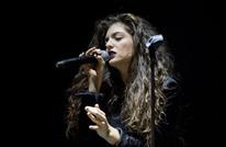 """مغنية بوب مشهورة تنضم لـ""""BDS"""" وتلغي حفلها في إسرائيل"""