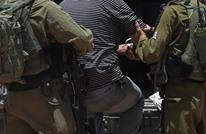 الاحتلال يستدعي شخصيات بالضفة ويحذرها من الترشح