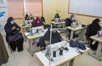 أردنيات وسوريات يواجهن كورونا والفقر بإنتاج الكمامات (شاهد)