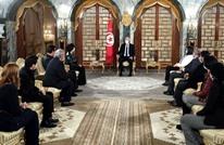 رئيس تونس يهدد باللجوء إلى الدستور لحماية الدولة