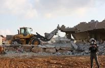 الاحتلال يشن حملة اعتقالات بالضفة ويهدم منازل قرب أريحا