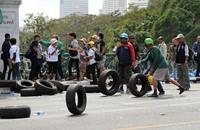 شرطة بانكوك تحاول استعادة مواقع يحتلها متظاهرون
