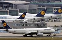 العثور على جثة بتجويف عجلة طائرة في مطار بأميركا
