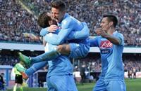 نابولي يحافظ على المركز الثالث بالتعادل مع جنوى