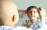 كذبت بإصابة ابنها بمرض السرطان لتجمع 25 ألف دولار