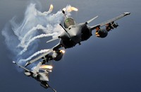 """فرنسا تعتزم التوقيع على اتفاق لبيع قطر 36 طائرة """"رافال"""""""