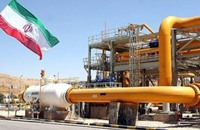 إيران تعتزم خفض سعر النفط أسوة بالسعودية