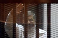 نطق الحكم على مرسي بقضية اقتحام السجون 16 مايو المقبل