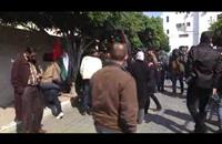 شبان فلسطينيون يغلقون مؤسسات أمريكية بغزة